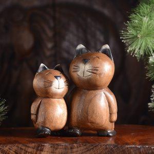 khắc gỗ chú mèo may mắn