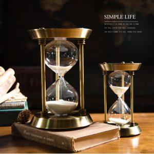 đồng hồ cát vàng nhỏ + lớn.