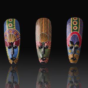 Khắc gỗ mặt nạ thổ dân mầu